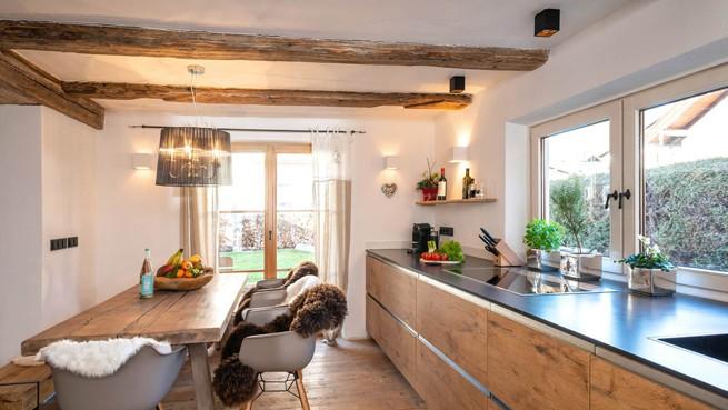 Die Küche und Esszimmer des Alpenchalets Bayrischzell in Deutschland